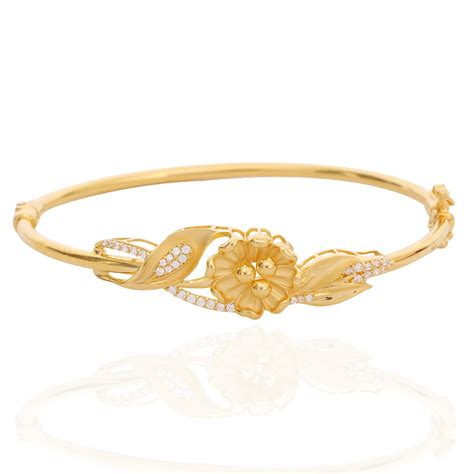 Hasna Set oriana the light weight jewellery hasna floral leaf