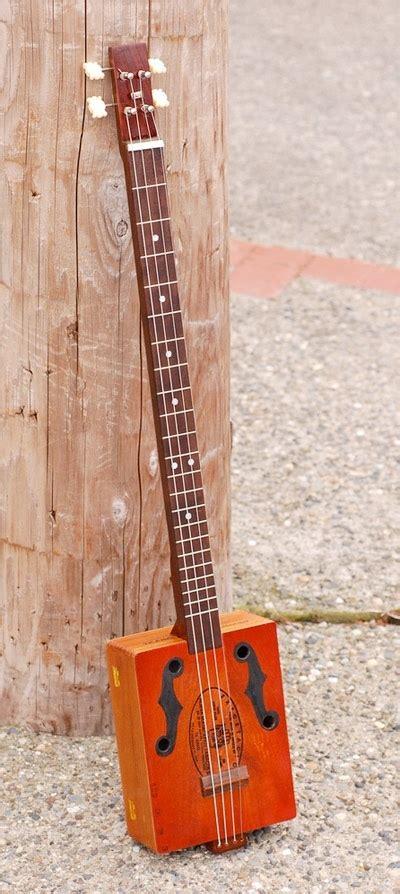tutorial main gitar bass 1000 images about hand made cigar box guitars ukulele
