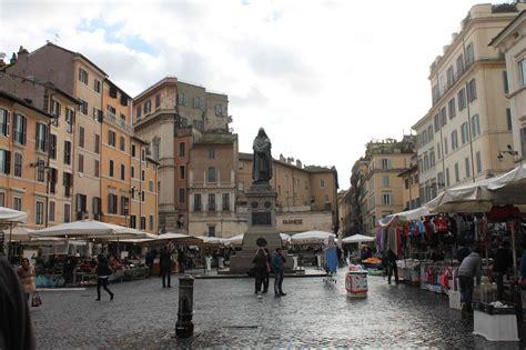 ci de fiori 17 de febrero roma recuerda a giordano bruno quemado