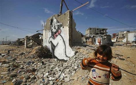 Banksy Wall Mural pourquoi l 233 conomie de la bande de gaza s est d 233 grad 233 e en 2015