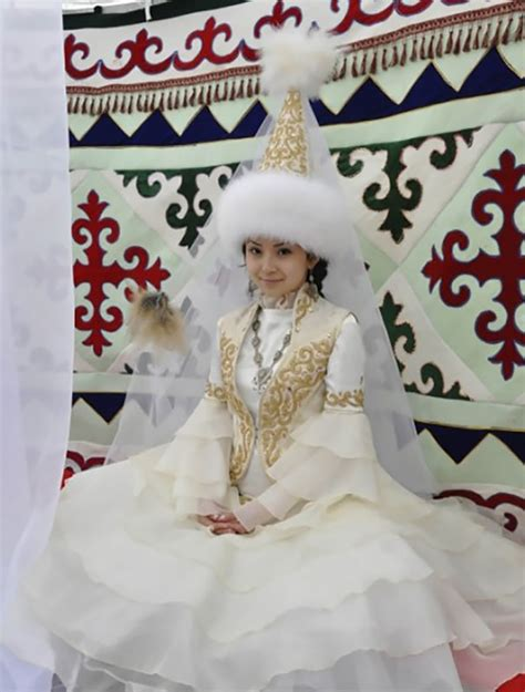 Wedding Dresses Around The World by 15 Traditional Wedding From Around The World