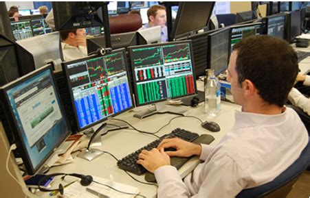 live day trading room how many screens do you use to trade smb training blog