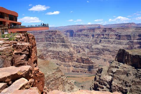Top 10 Sound Bars Enter The Realm Of The Eagle On Grand Canyon Skywalk