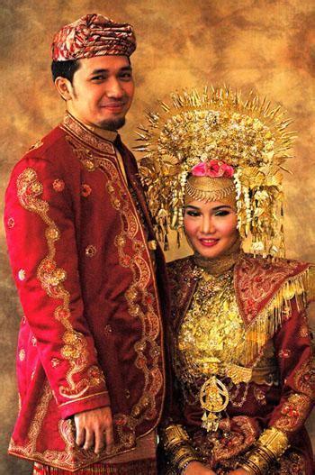 indonesia pakaian adat