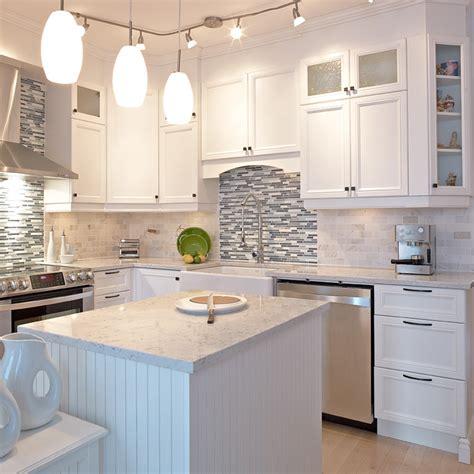 騁amine cuisine davaus cuisine blanche classique avec des id 233 es