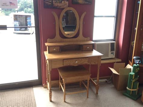 dressing table bench vanity dressing table with mirror and bench amish traditions wv