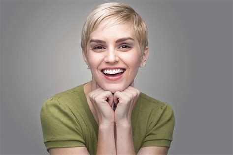 Pixie Hairstyles For Faces by Haircuts For Faces Gallery Flattering And Easy Hair