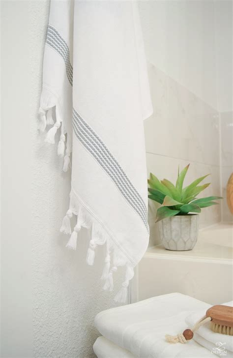 towel designs for the bathroom pleasing 10 beautiful bathroom hand towels decorating