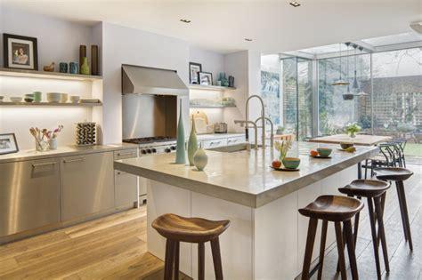 modern kitchen bar stools uk home design ideas k c r renovatie woning met moderne aanbouw in glas binnenkijken