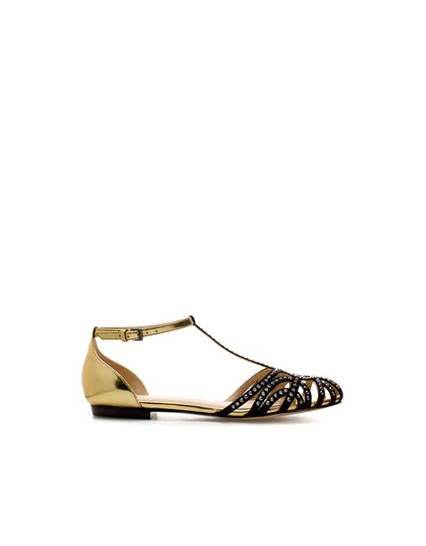 gold jelly sandals zara flat jelly sandals in gold lyst