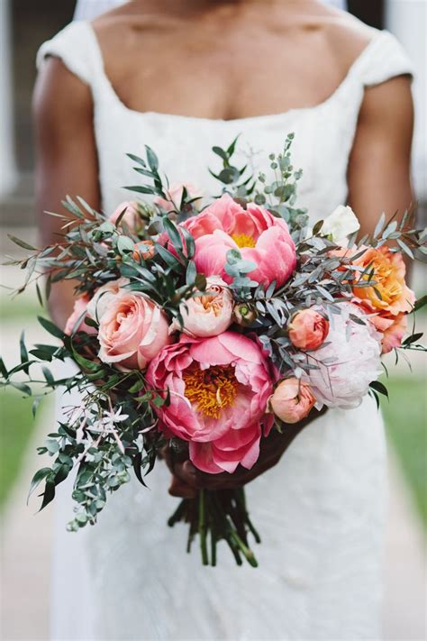 Wedding Bouquet Guide by Your Guide To Wedding Flowers Comfort Inn