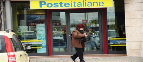 ufficio postale pietrasanta poste troppe code per mancanza di personale news