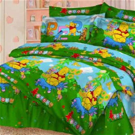 Sprei Winnie The Pooh bed cover sprei motif winnie the pooh warna hijau syalom