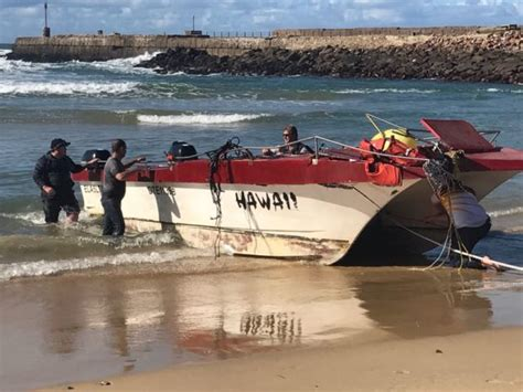 ski boat club port alfred commercial fishing boat capsizes with 2 deceased and 2