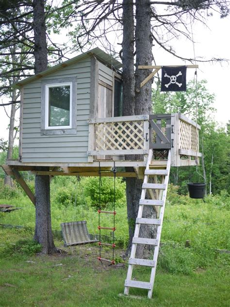 small house for kids the 25 best simple tree house ideas on pinterest diy tree house kids tree forts