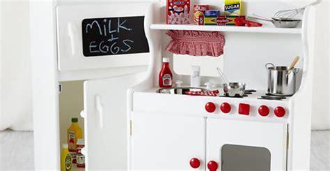 cucina per bimbi elettrodomestici spacciati per giocattoli pericolosi per