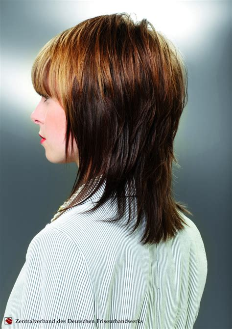 medium long layered haircut that follows the shape of the