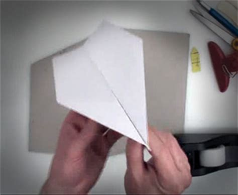 How To Make A World Record Paper Airplane Glider - stuff i