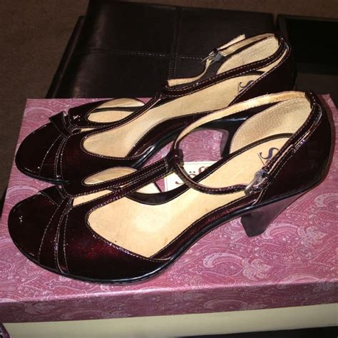 wine colored heels 61 sofft shoes sofft wine colored heels from