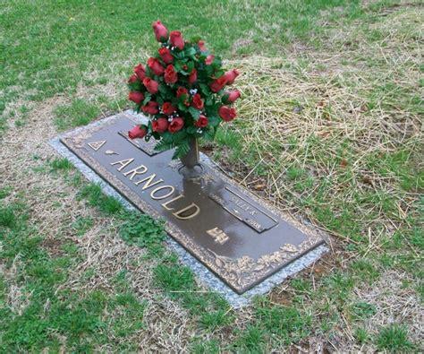 eddie arnold gravesite