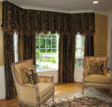 Living Room Pinch Pleat Drapes Austrian Valance With Pinch Pleated Drapes Traditional