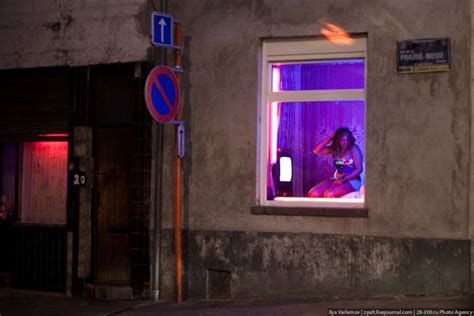 red light district amsterdam cost damn cool pictures red light districts of brussels and