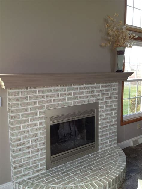 Best Paint For Fireplace Brick by The 25 Best Brick Restoration Ideas On