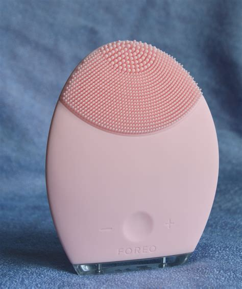Foreo For Sensitivenormal Skin foreo review by a former clarisonic user nerdylibrariangirl