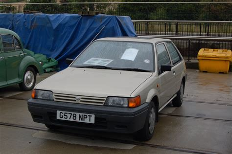nissan sunny old model image gallery nissan hatchback 1990