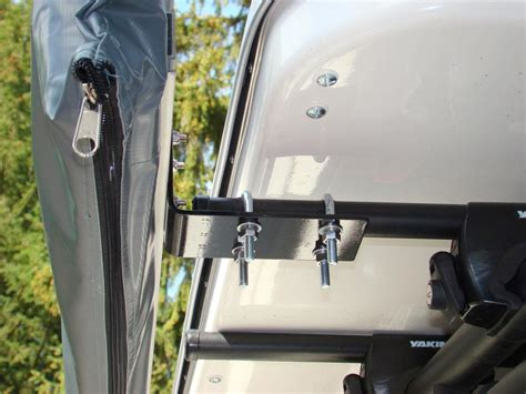 arb awning mount arb awning mounted to oem rack toyota fj cruiser forum