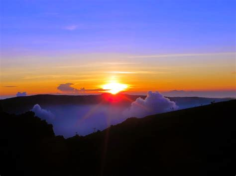 wallpaper alam bagus 11 gunung di indonesia dengan sunrise terindah alidesta