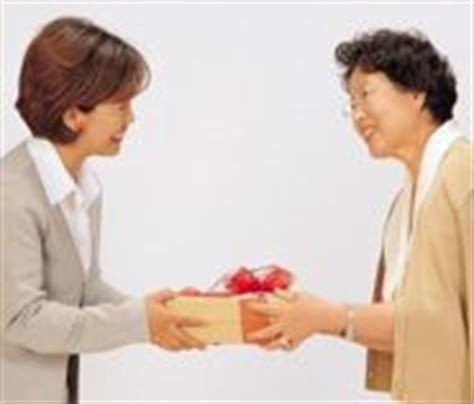 Giving Valentines Gifts In Japan And Korea by Batxillerat2 1 Cultural Misunderstandings
