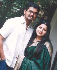 south actor vijay biodata vijay sangitha tamil actor ilaiya thalapathi doctor vijay