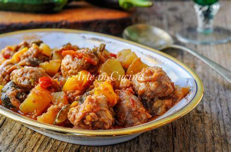 come cucinare salsicce salsicce in padella con verdure ricetta facile
