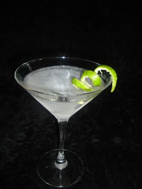 martini twist twist cocktail garnish