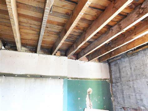 Alte Holzdecke Sanieren by Holzbalkendecke Sanieren 187 Sanierungsarbeiten Im 220 Berblick