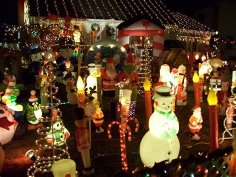 tacky christmas decorations ideas top 10 don ts dos for decorating