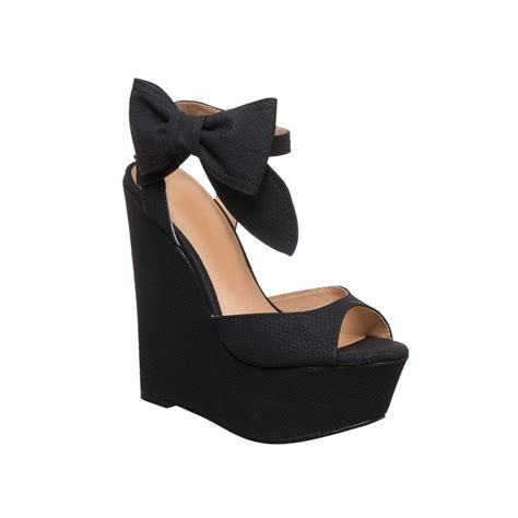 black wedges these are walking on