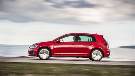 volkswagen golf magazine vw golf gti 2017 mk7 facelift review by car magazine