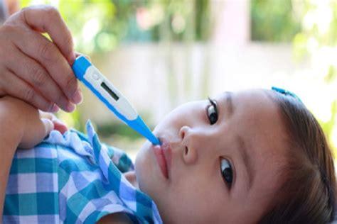 doccia fredda febbre bambini e febbre ricorrente herpes attenti all estate