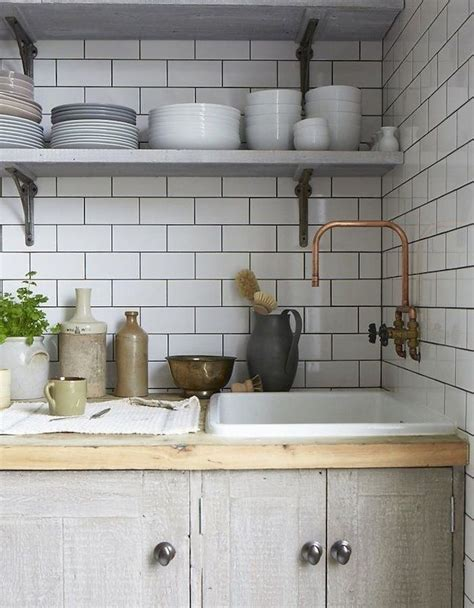 Kitchen Counter Lighting Ideas by Nos Encantan Las Cocinas Retro Con Azulejos Blancos
