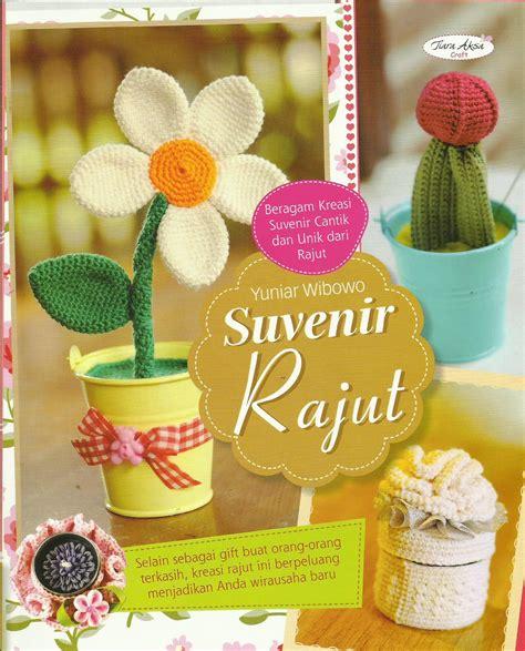 Buku Tas Dan Dompet Rajut Dari T Shirt Yarn buku suvenir rajut crafts