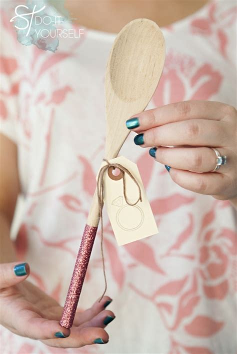 diy bridal shower favors ideas learn how to make glittered wooden spoon gifts
