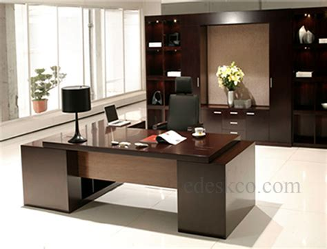 Modern Executive Office Furniture by Executive Office Furniture And Desk Edeskco