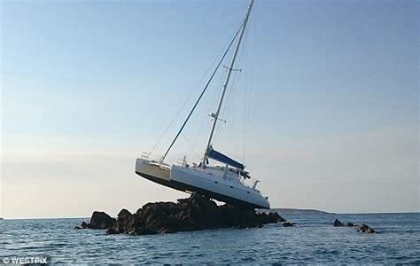 dream boat online free catamaran stranded on a reef in kimberley region wa