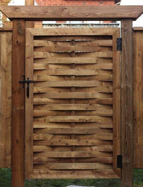 add  woven gate   yard cuz  flippn cool