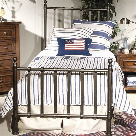 Metal Bed Frame Attach Headboard Footboard by Metal Bed Frame Headboard Footboard Brackets Bed Frame