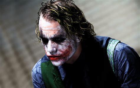 imagenes joker heath ledger is heath ledger s joker the greatest movie villain ever