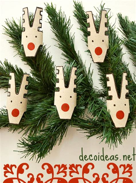picture of reindeer tree decorations