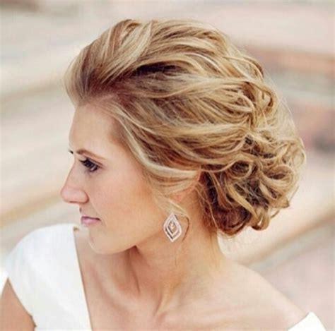 evening hairstyles for 50s ミディアムやショートはどうする 結婚式のお呼ばれヘアスタイル10選 jury mode